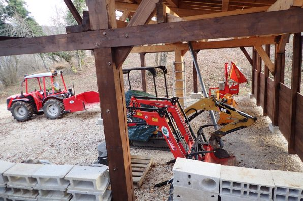 Reversible tractor, woodchipper, mower, caterpillar digger and bucket for tractor!