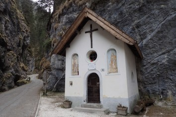 Little chapel in the Sottoguda Canyon