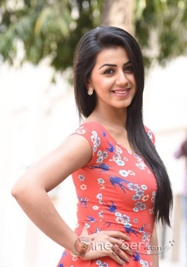 beautiful Indian Girl pics, Deshi Girls photo, Cute Indian ...