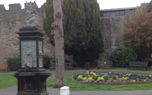 Updated: Ludlow water fountain restoration splutters to a halt – will town council take action itself?