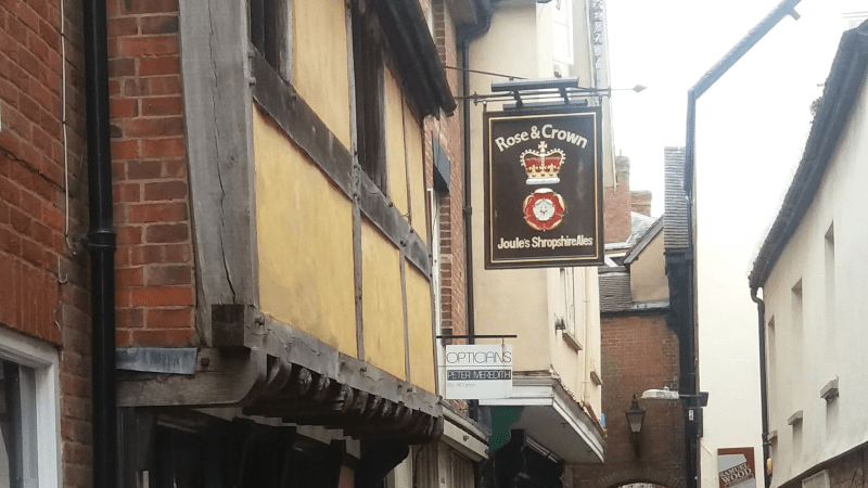 Look at this photograph of a great pub in Ludlow – Do you see what I saw?