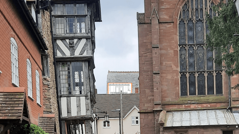 Roof terrace overlooking Church Walk would damage setting of St Lawrence's Church and the Reader's House