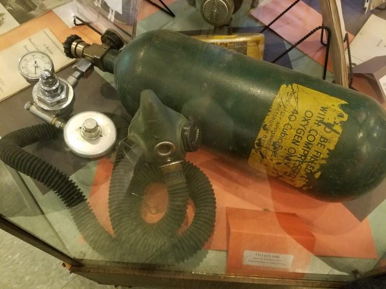 oxygentankandmask