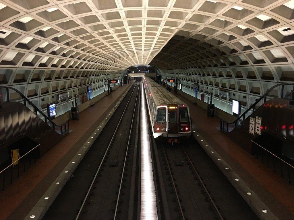 Photo of a train in Washington Metro station.