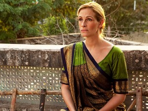 julia roberts looking simply fabulous in green style in the movie EPL