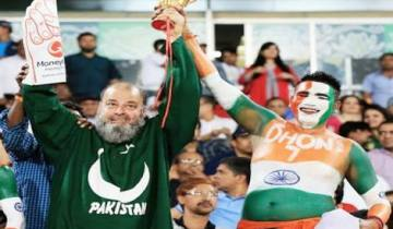 types of cricket fans - AYT blog