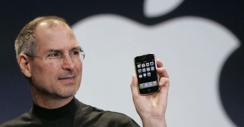 Steve Jobs 1st iPhone