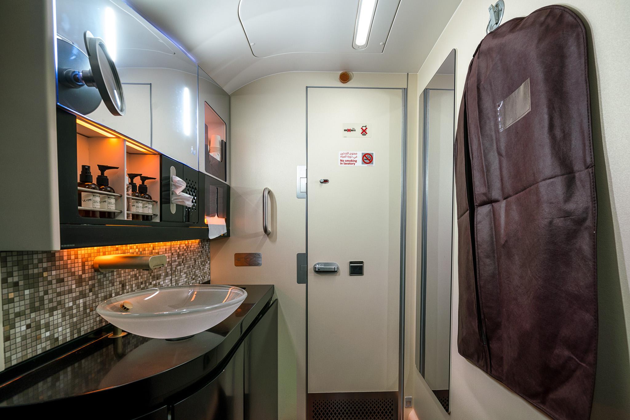 Etihad First Class Shower Etihad A380 First Clas...