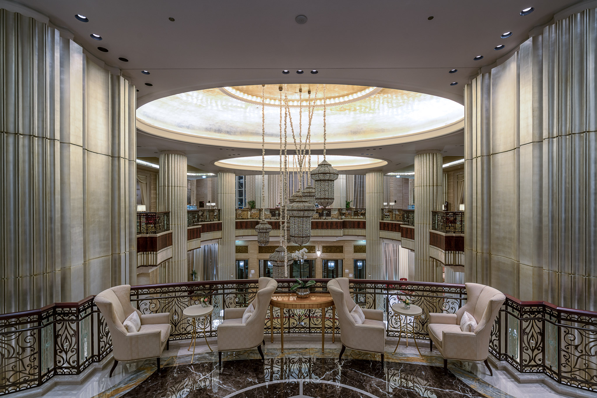 Foyer Decor Abu Dhabi : St regis abu dhabi review andy s travel