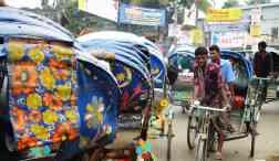 crowded Dhaka