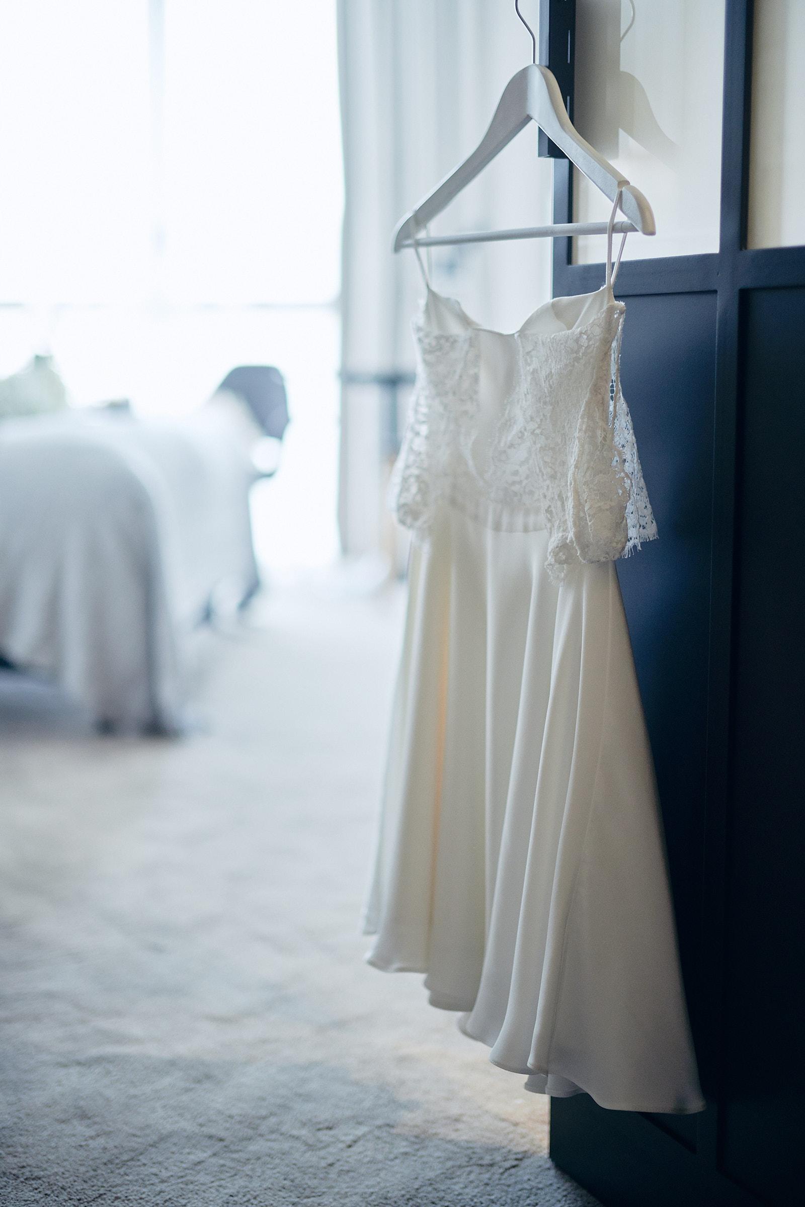 la robe de mariée l'audacieuse signée par l'amusée paris