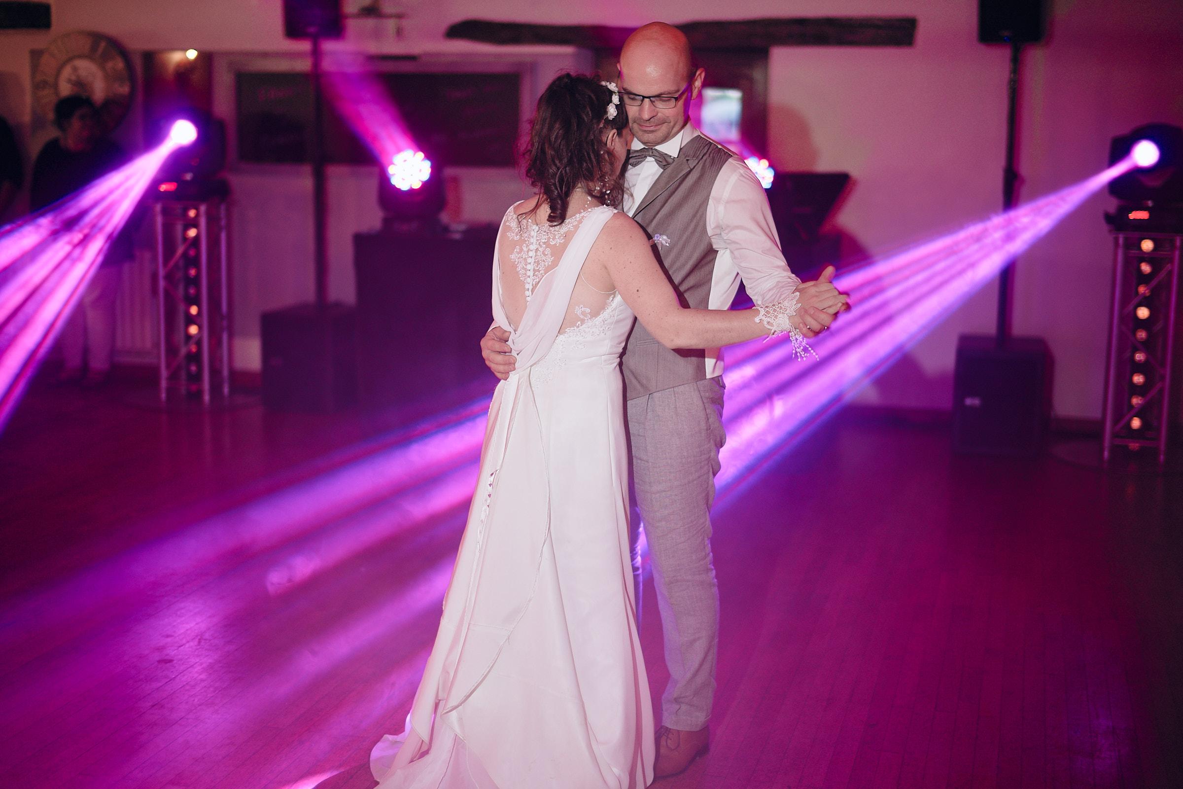 première dance lors du mariage à la jalonnière en vendée