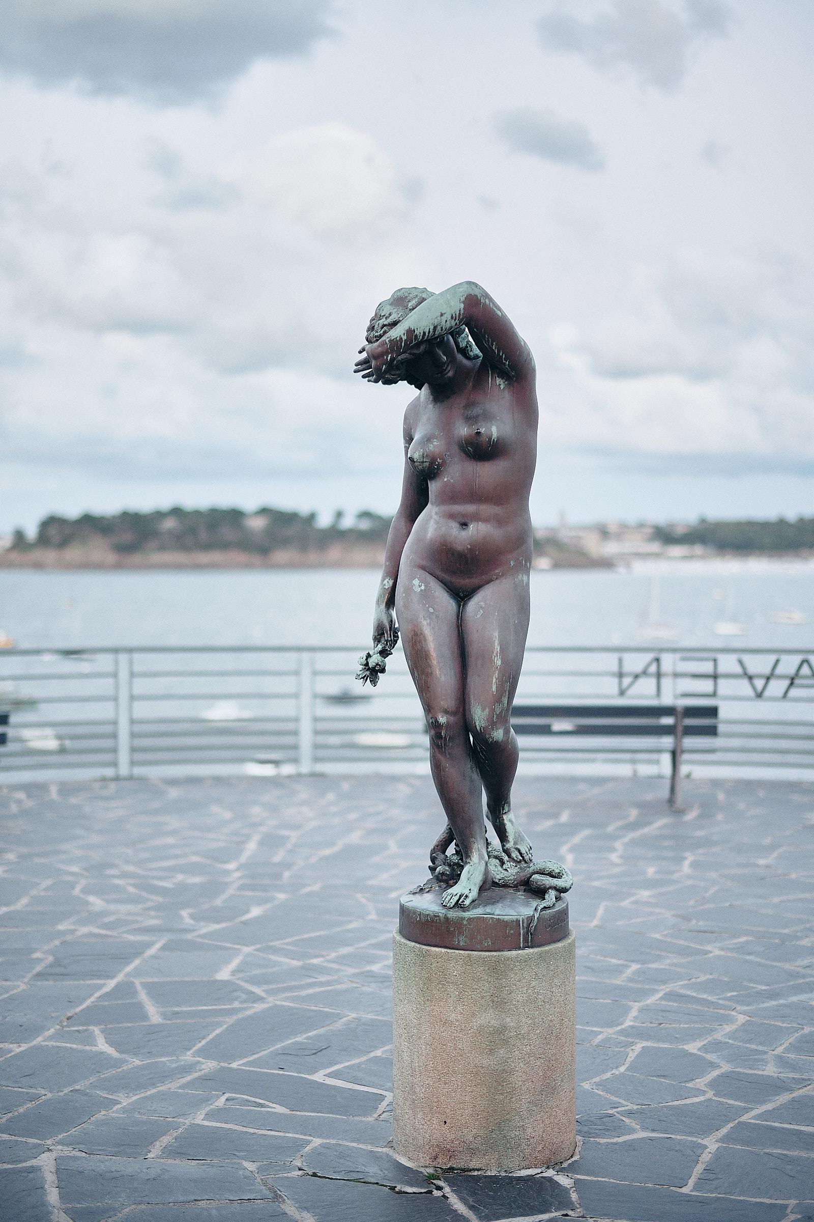 statue sur la terrasse de l'hotel castelbrac à dinard