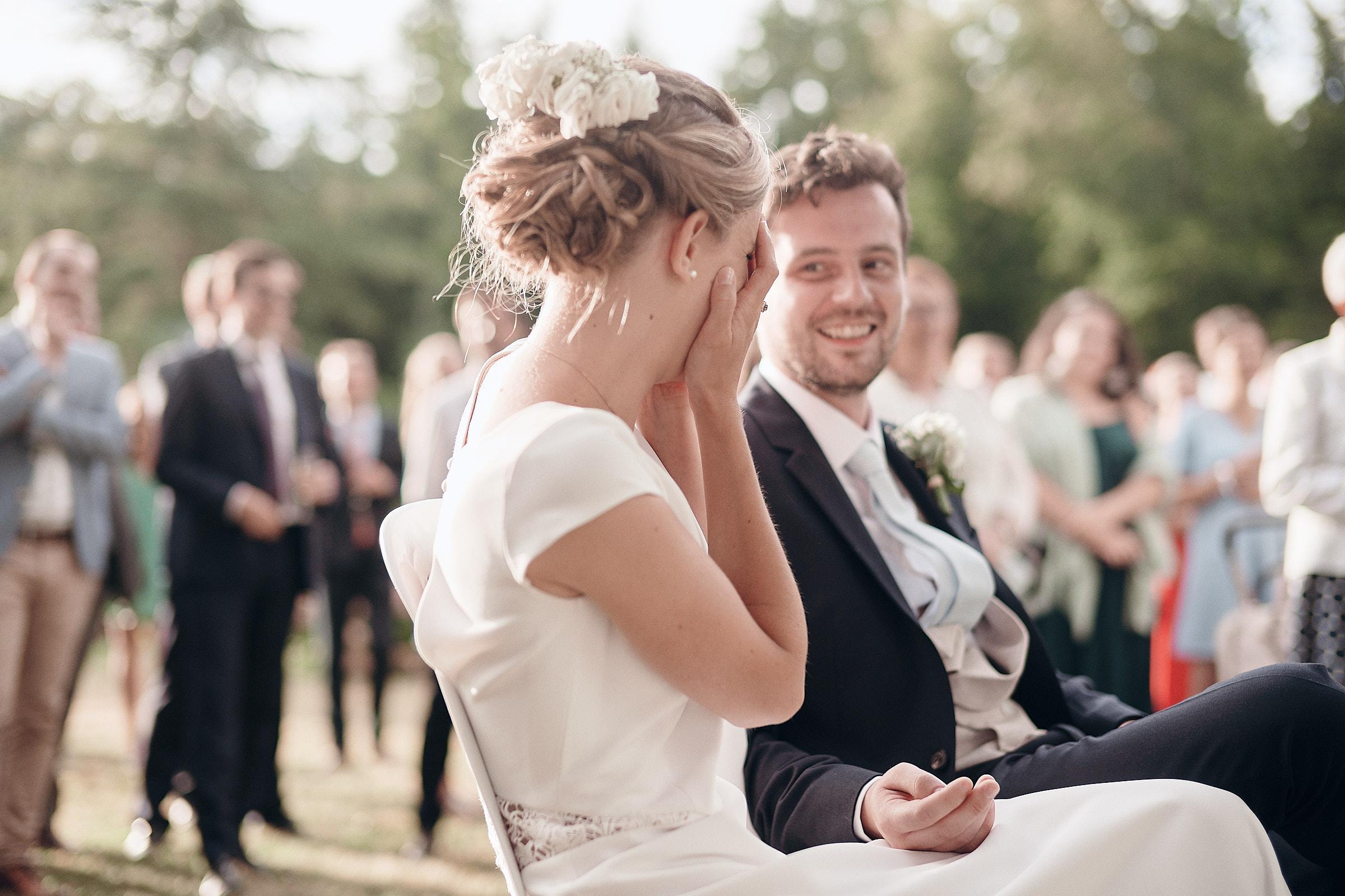 réaction de la mariée pendant le discours de son père