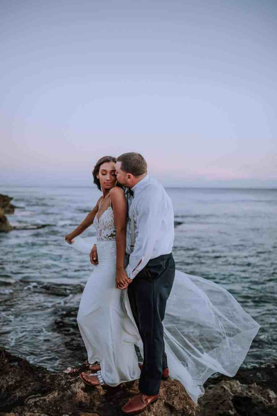 Thinking of eloping in Hawaii? This blog post includes tips for eloping and recommended vendors for your elopement in Oahu, Hawaii #elopement  by Anela Benavides