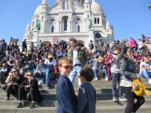 Hanging with the crowds at Sacre Coeur