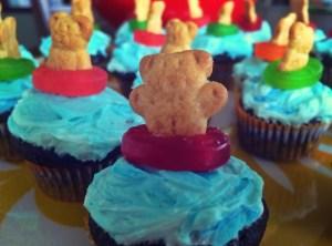 bear in pool ring cupcakes