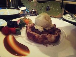 apple pie dessert at globe yvr