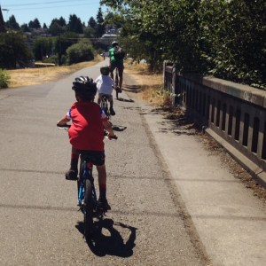 Family ride on the Burke-Gilman Trail