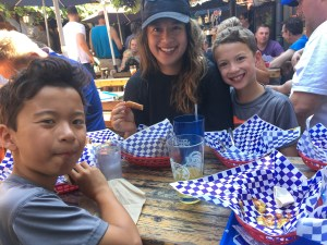 Eating at Munchen Haus in Leavenworth with kids