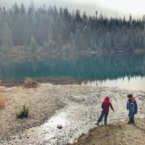 Fall Family Hike at Gold Creek Pond in Snoqualmie Pass