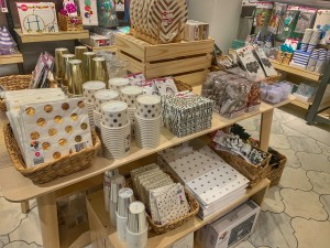 Anko pop-up in Bellevue square has a great party supply section if you're looking for party supplies in Seattle or Bellevue