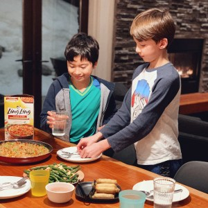kids setting the table-an easy things kids can do to help with dinner time