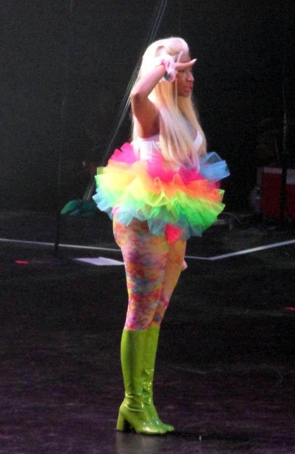 nicki minaj in crazy rainbow tutu   Aneta Nedimović