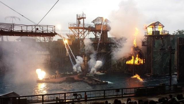 Singapore Universal Studios show eksplosion7