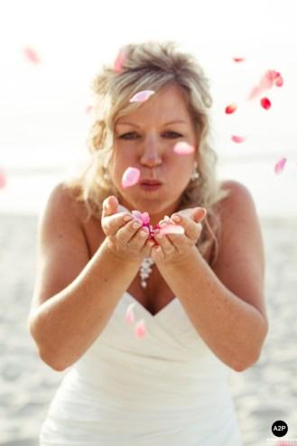 braut_rosenblaetter_bridal