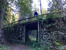 An old corkscrew road and bridge once linked Oslo to Sarabråten, a recreational area of the Østmarka developed in the 1850s by Thomas J. Heftye. He brought lots of famous folks here, including Henrik Ibsen and King Oskar I of Sweden and Norway.