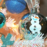 Disney Frozen Christmas Tree - DIY Olaf Ornament