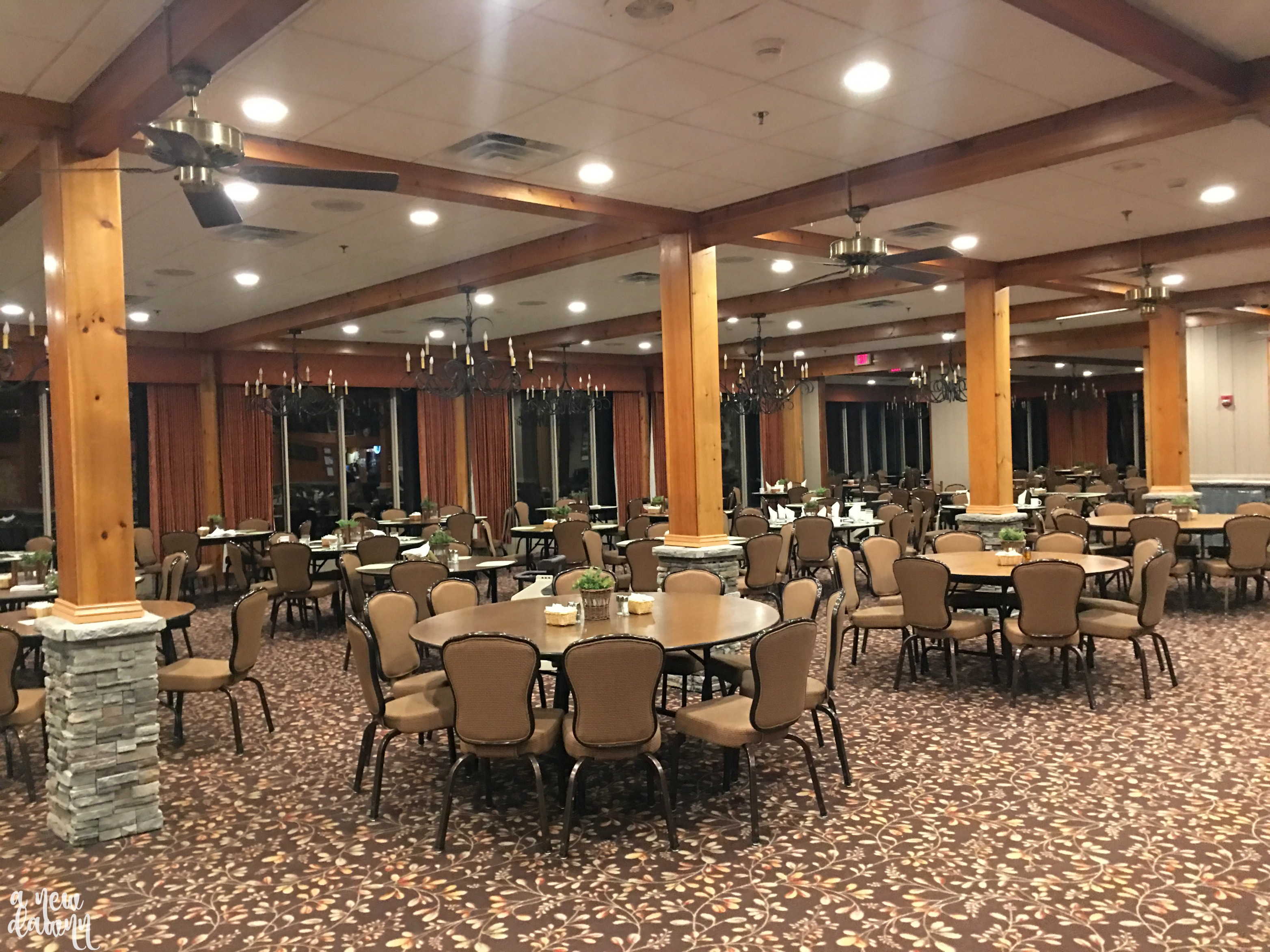 Woodloch-dining-room