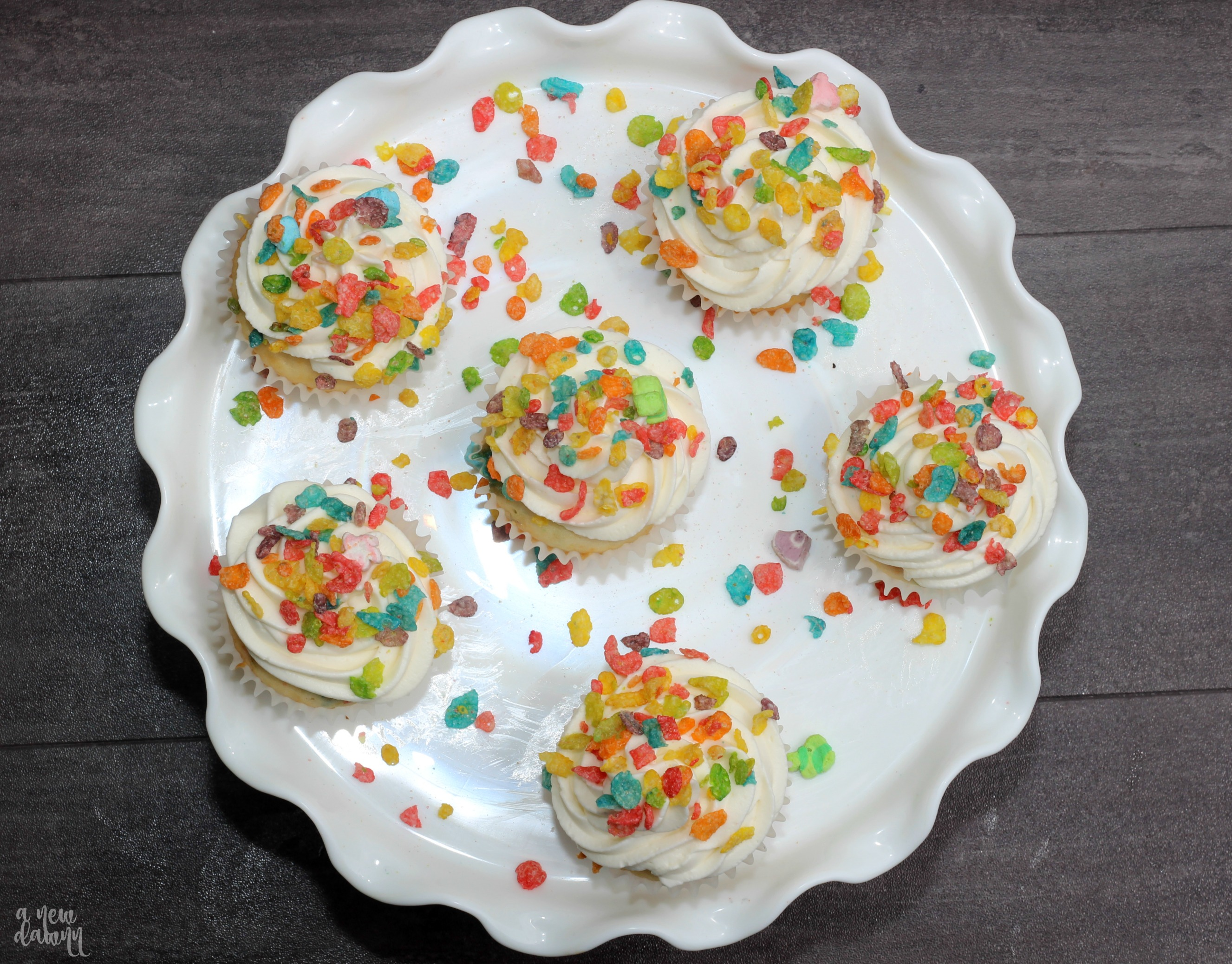 fruity-pebbles-cupcakes