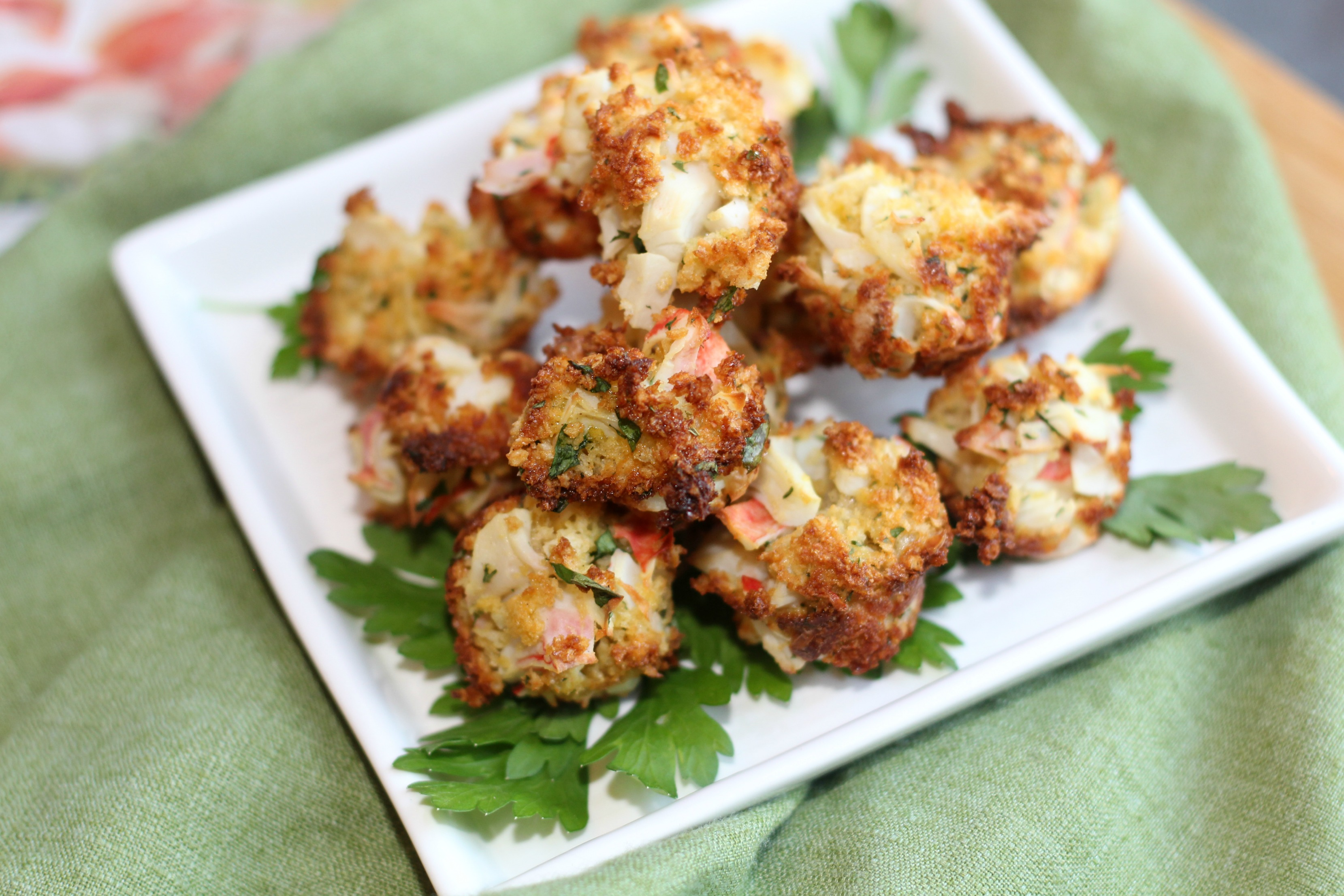 Crab Poppers with Sriracha Aioli