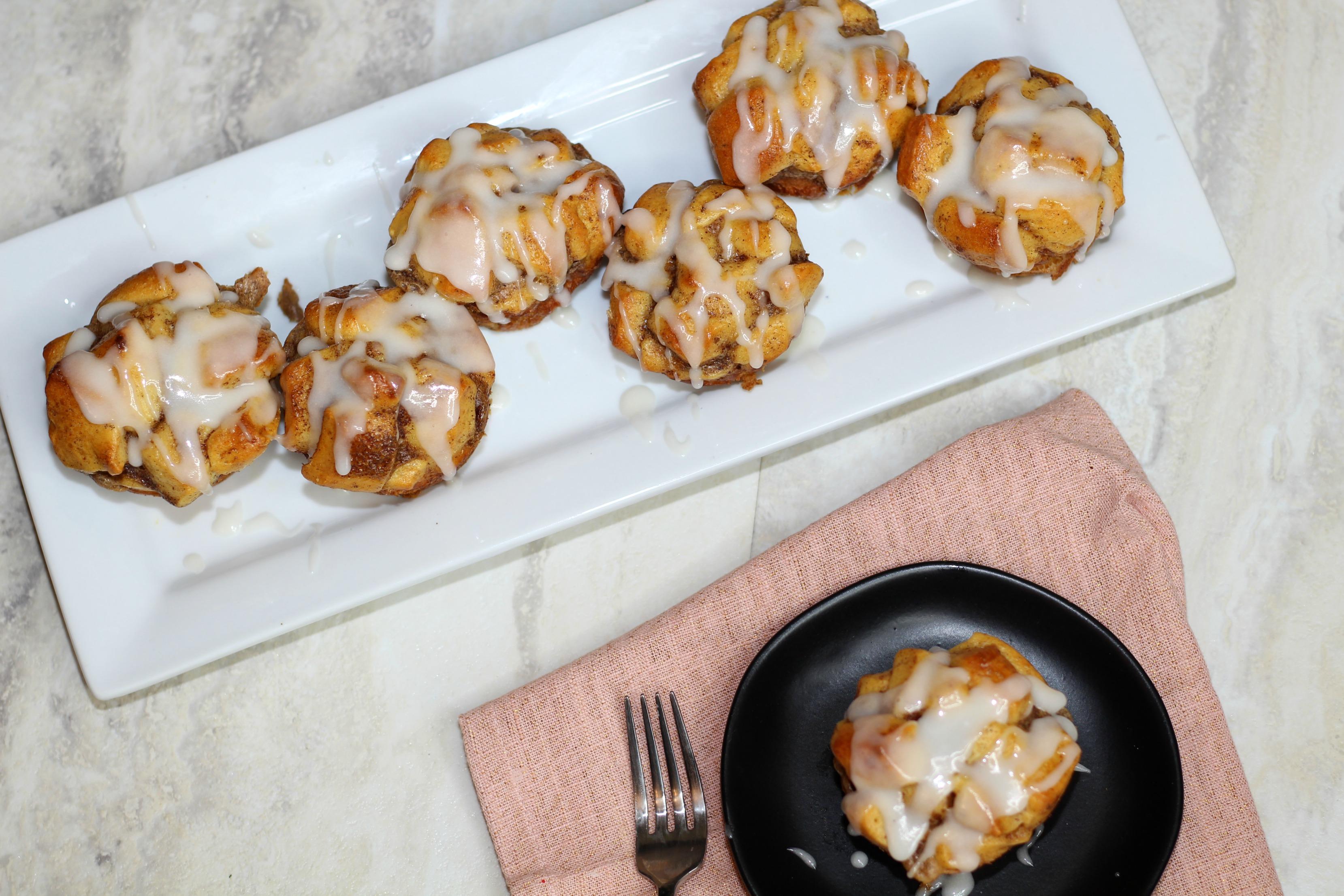 Pull Apart Cinnamon Roll Muffins