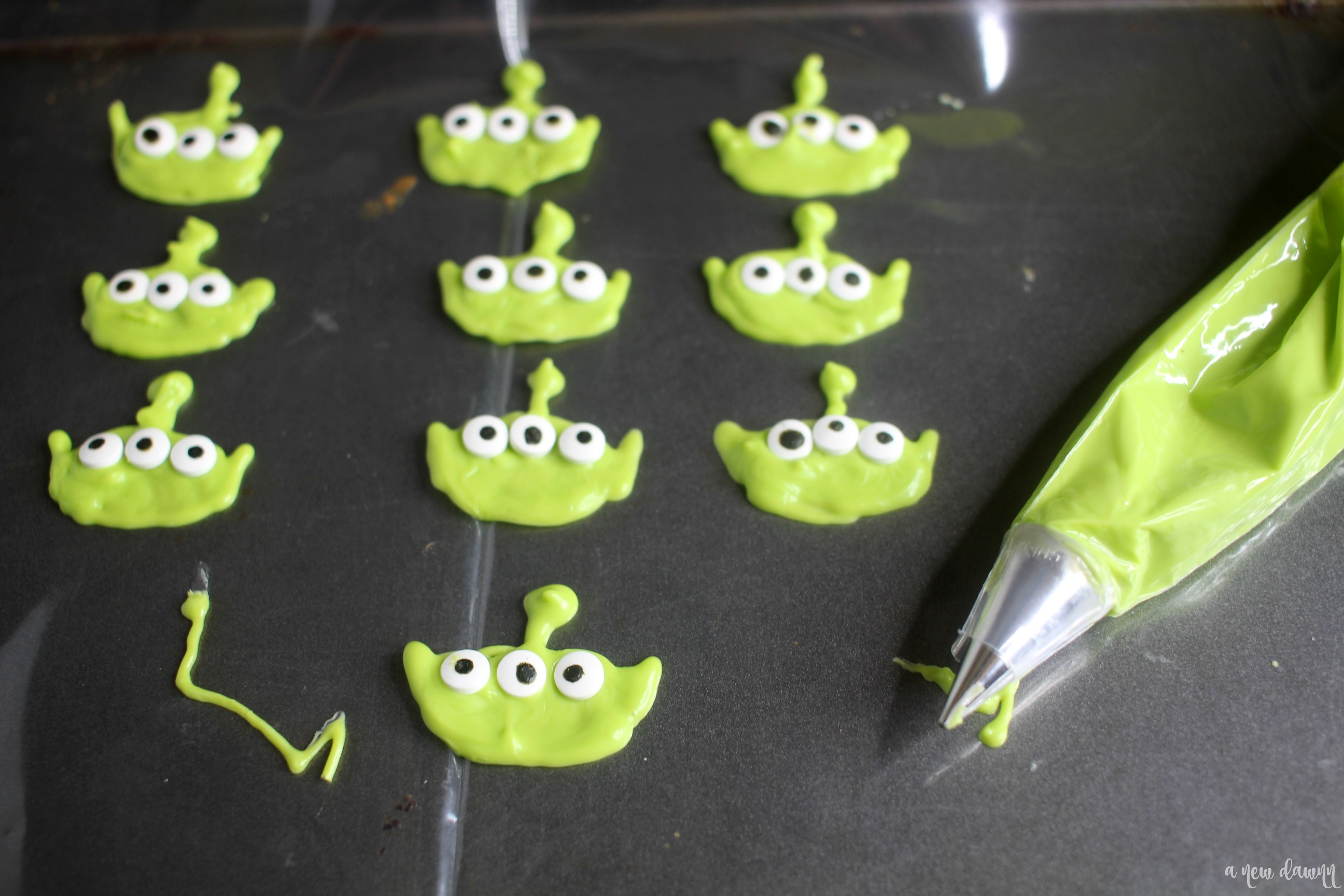 toy story alien chocolate pieces