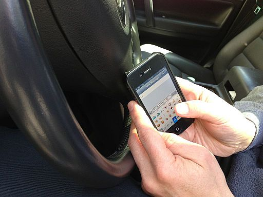 Texting And Driving: What to Do If You Get Pulled Over