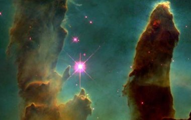 hubble space telescope Gas Pillars in the Eagle Nebula