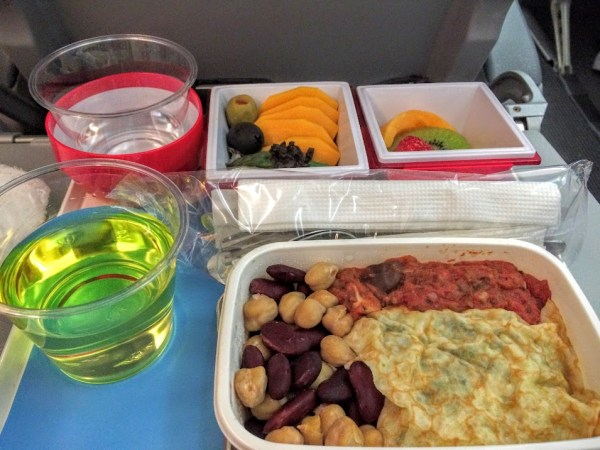 airline food comparison what special meal should i order JAL veggie meal-flt to LAX