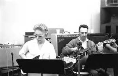 Carol Kaye - photo (bassist)
