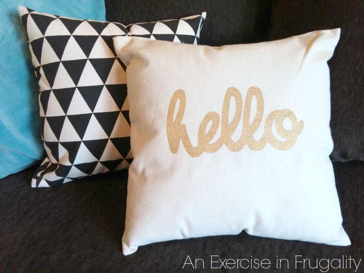 DIY canvas throw pillows & DIY No Sew Throw Pillows | An Exercise in Frugality pillowsntoast.com