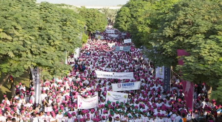 thousands-step-out-support-breast-cancer-awareness-burjuman-pink-walkathon-845