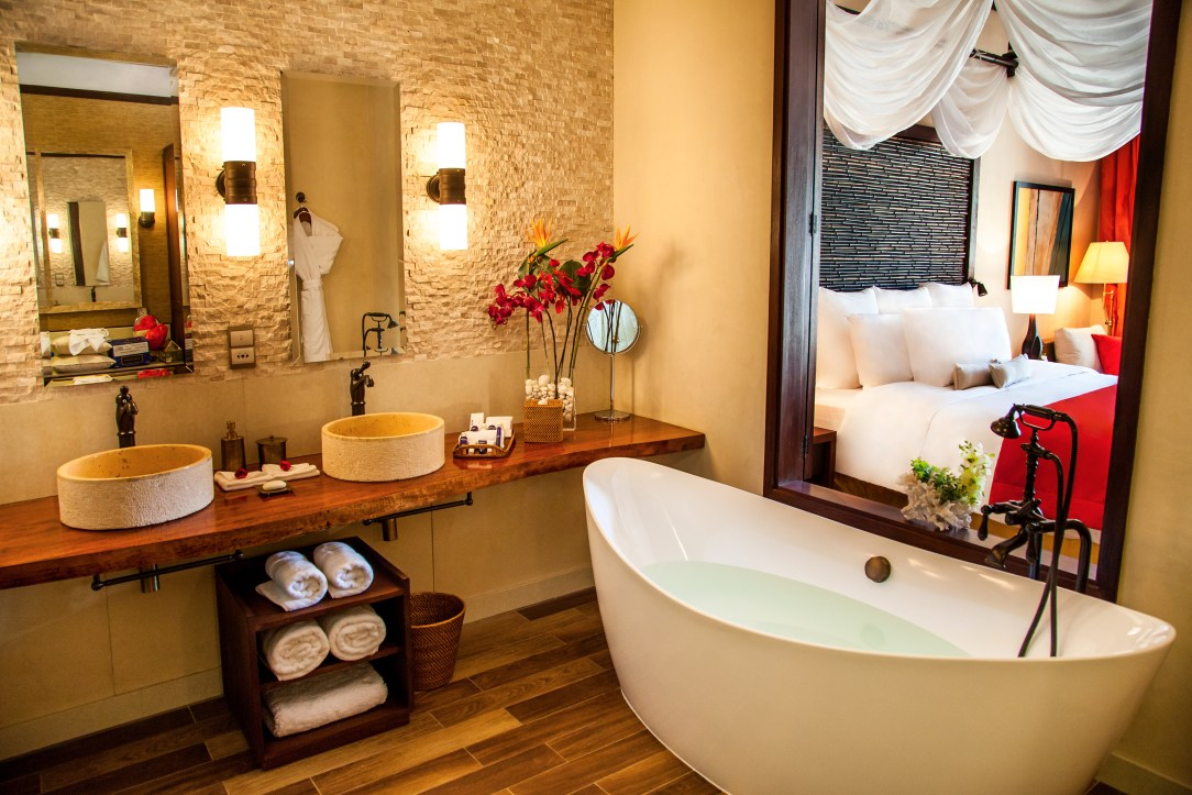 Suite Bathroom - high res