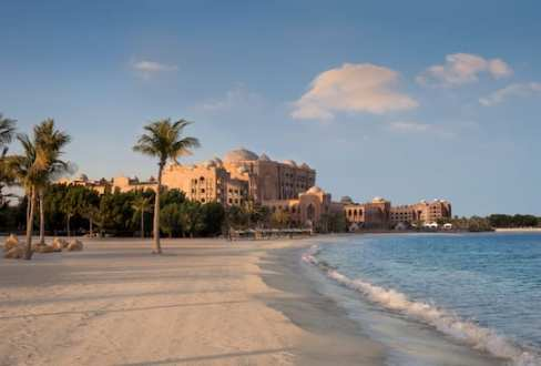 abu-dhabi-emirates-palace-beach-morning