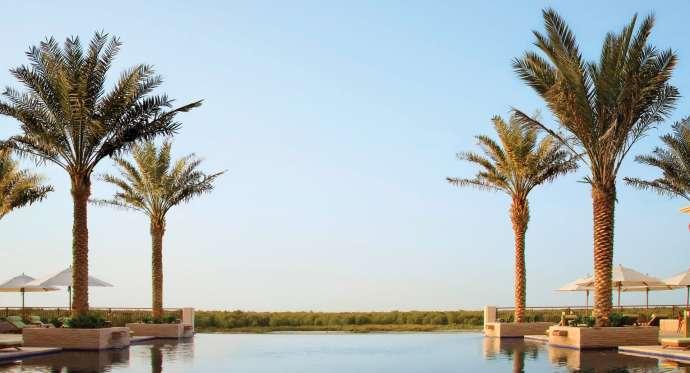 anantara_eastern_mangroves_pool_deck_1920x1038