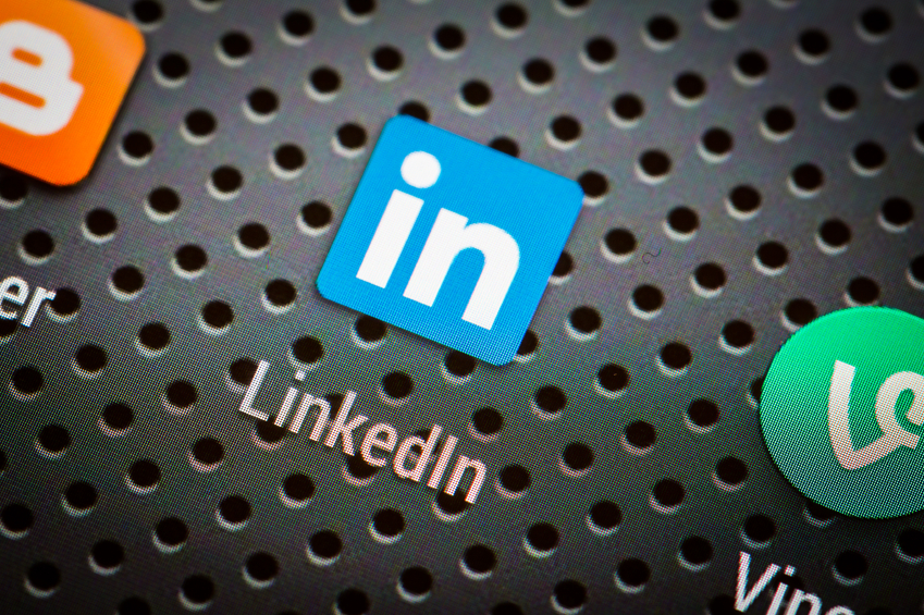 3 Ways to Avoid The #1 LinkedIn Headline Mistake
