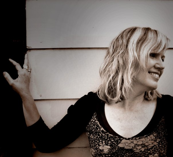 Soulful Music with Acoustic Songbird KATHY pIKE