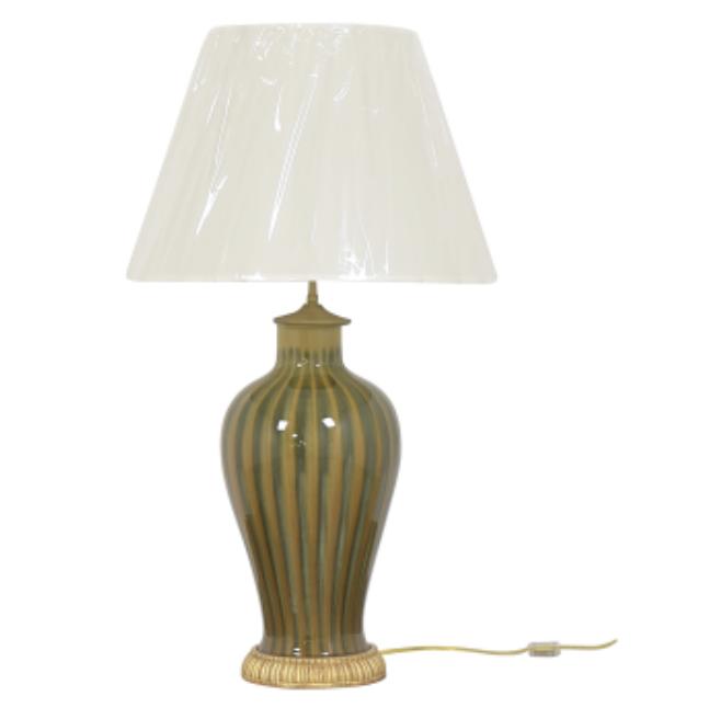 Bunny Williams table lamp