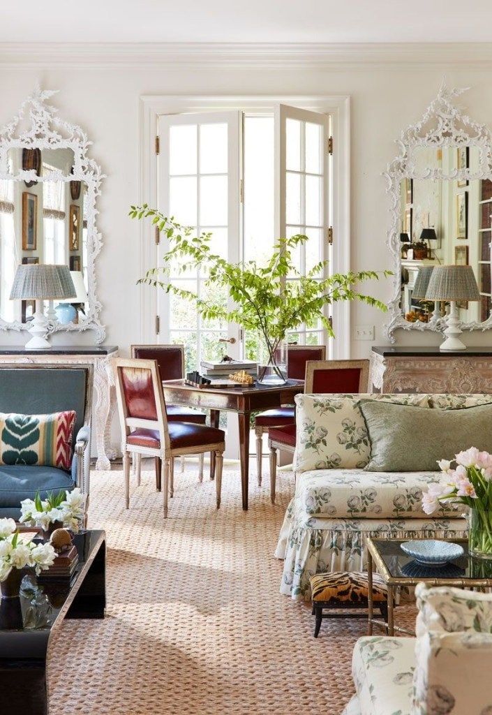 Caroline Gidiere grandmillenial living room